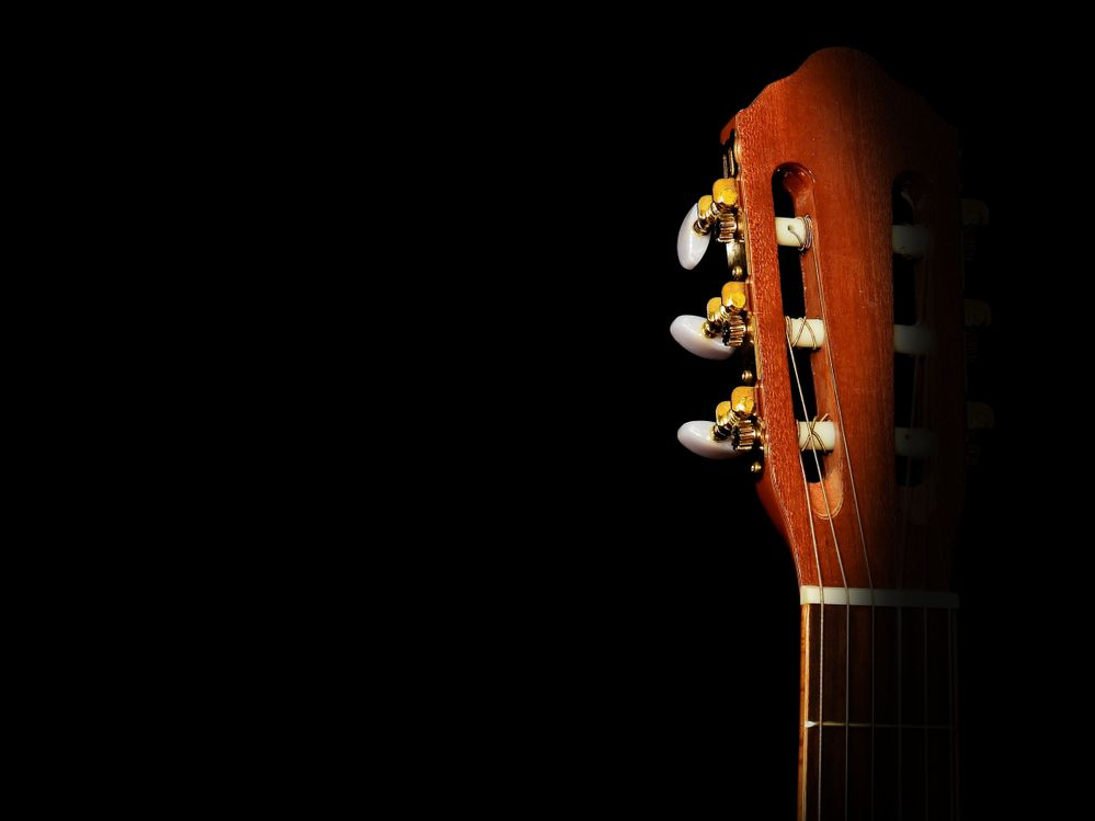 https://www.pexels.com/photo/acoustic-acoustic-guitar-classic-close-up-358666