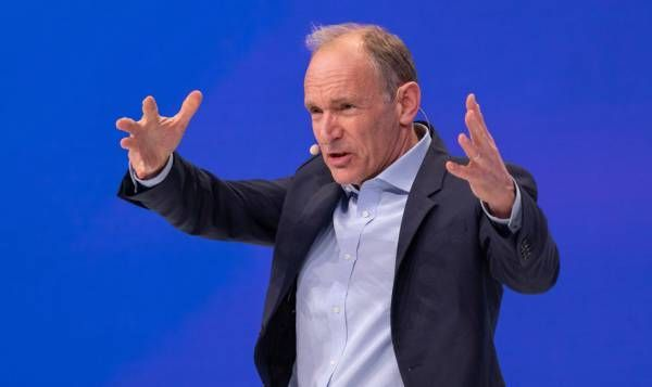 World Wide Web inventor and W3C founder Tim Berners-Lee speaks at the Oktane 2019 conference.