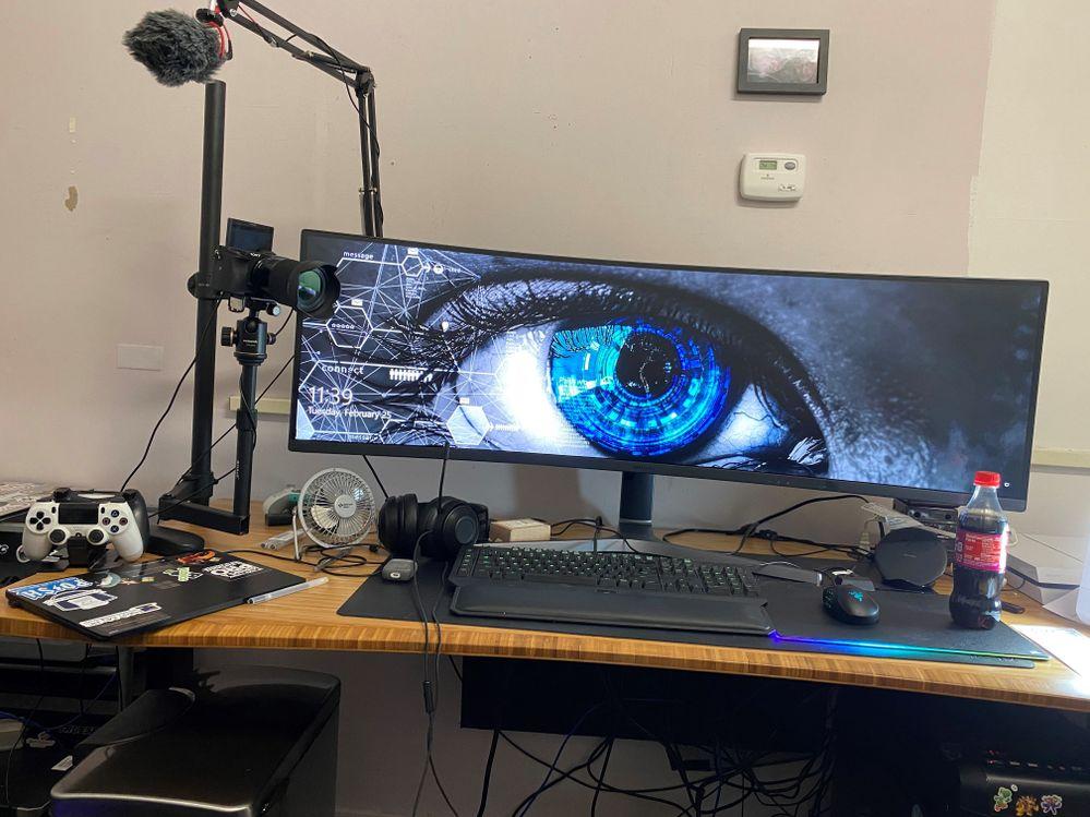 Desk-WideScreen.jpg