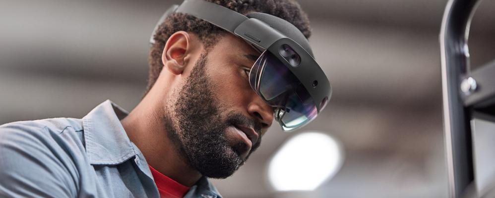Employee wearing a HoloLens 2 device
