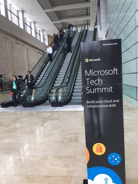 The entry to the Mexico City Tech Summit.